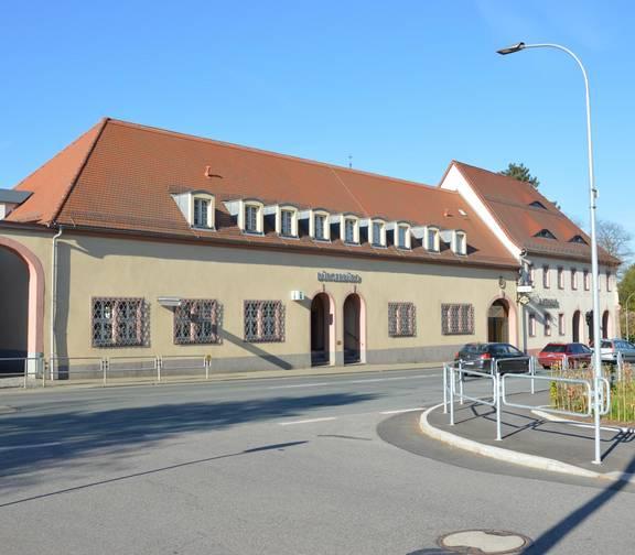 Hier sehen Sie unser Rathaus, was früher mal ein Rittergut war. ©Stadt Limbach-Oberfrohna