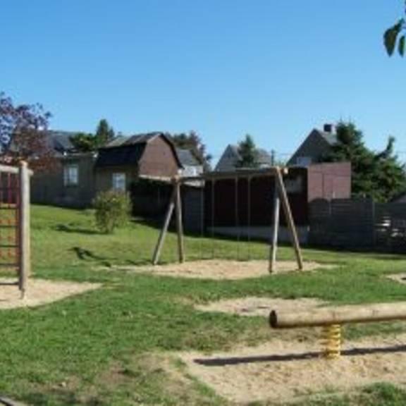Spielplatz Pleißa Dorfteich